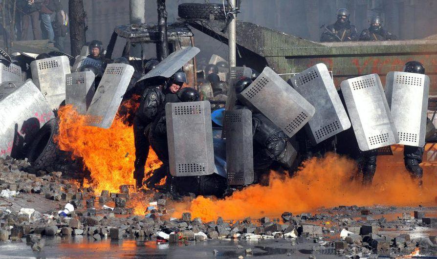 Ukrainan levottomuuksissa on kuollut ainakin 26 ihmistä.