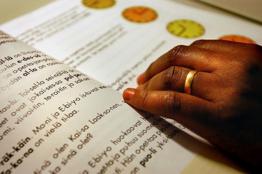 Somaleilla on kyselyaineiston mukaan paras suomen kielen taito, mutta heistä 45 prosentilla ei ole yhtään kantaväestöön kuuluvaa ystävää. Kuvituskuva.