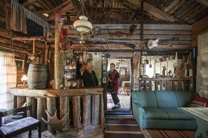 Siikajokivarressa Revonlahdella sijaitsevaan pihamiljööseen kuuluu pieni kotiseutumuseo – katso kuvia nostalgisista esineistä ja kauniista pihapiiristä