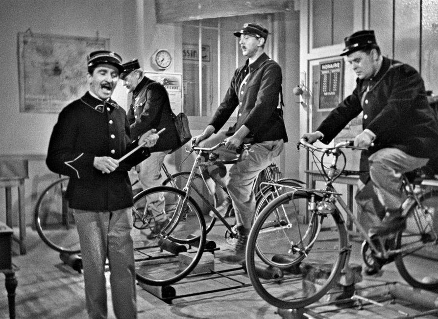 Kirjeenkantajien koulu on Jacques Tatin komedia, joka kestää parikymmentä minuuttia.