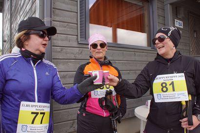 Syötteen Huippukympillä pääsi kilpailuhenki vallalle – Eija, Riitta ja Anne kippistivät maalissa tunturin huipulla