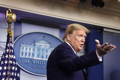 Trump keskeyttää maahanmuuton Yhdysvaltoihin kahdeksi kuukaudeksi