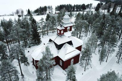 """""""Joulua ei ole peruttu"""" – Pudasjärven seurakunnassa valmistaudutaan erilaiseen joulunviettoon, mutta kirkon ovia aiotaan pitää jouluaattona auki"""