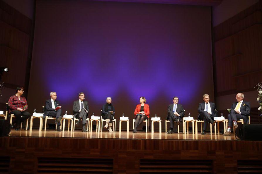 Presidenttiehdokkaat osallistuivat Kalevan ja Ylen vaalitenttiin Madetojansalissa.