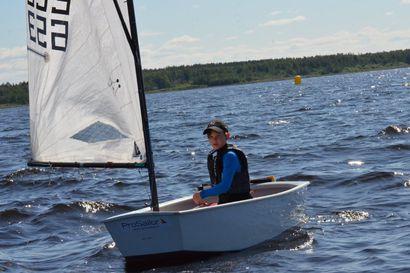 Keskitalo purjehti kultaa –Nuoret mukana suurella joukkuepanoksella