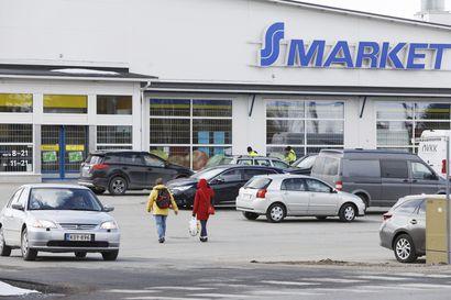 Myös Ylitornion S-Marketin henkilökuntaa on joutunut koronakaranteeniin – Kauppa pysyy useimpina päivinä auki lyhennetyillä aukioloajoilla