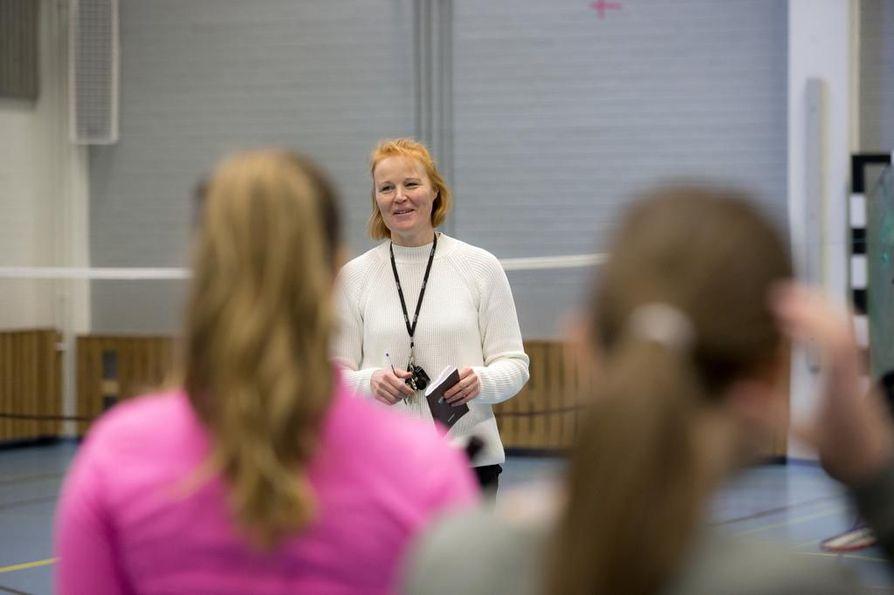 Laura Rahikkala on opettanut Pattasten koululla liikuntaa vuodesta 1998 lähtien.