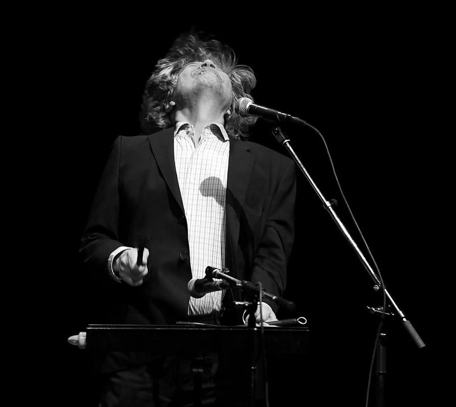 M.A. Numminen esittää 2000-luvun rockrunouttaan Voimalassa perjantaina.