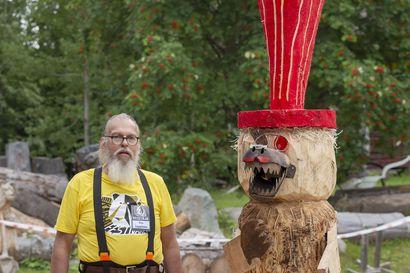 Esa Leppänen kolmas Karhufestivaaleilla – tuomaristo luonnehti moottorisahalla veistettyä karhua rouheaksi rock-taiteeksi, jonka toteutus on vaatinut uskallusta ottaa vastaan ronskiakin palautetta