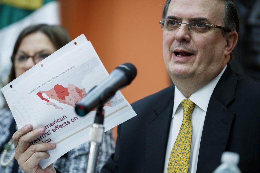 """Meksikon ulkoministeri Marcelo Ebrand sanoi tiistaina Washingtonissa, että Meksikosta ei tule """"kolmatta maata"""" Yhdysvaltoihin pyrkiville turvapaikan hakijoille."""