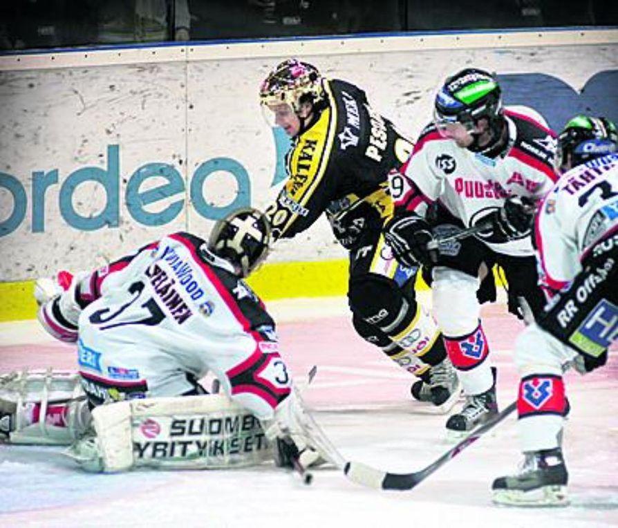 Janne Pesonen on elämänsä kunnossa, ja pyöri väkkäränä Ässien kiusana. Hän  jaksoi taistella ärähäkkäästi täydet 60 minuuttia ja teki siinä sivussa 1+2=3 tehopistettä.