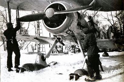 Oulun ylle talvisodassa lensi suojaa Ruotsista, kun Einar Tehler kävi venäläisten pommikoneiden kimppuun
