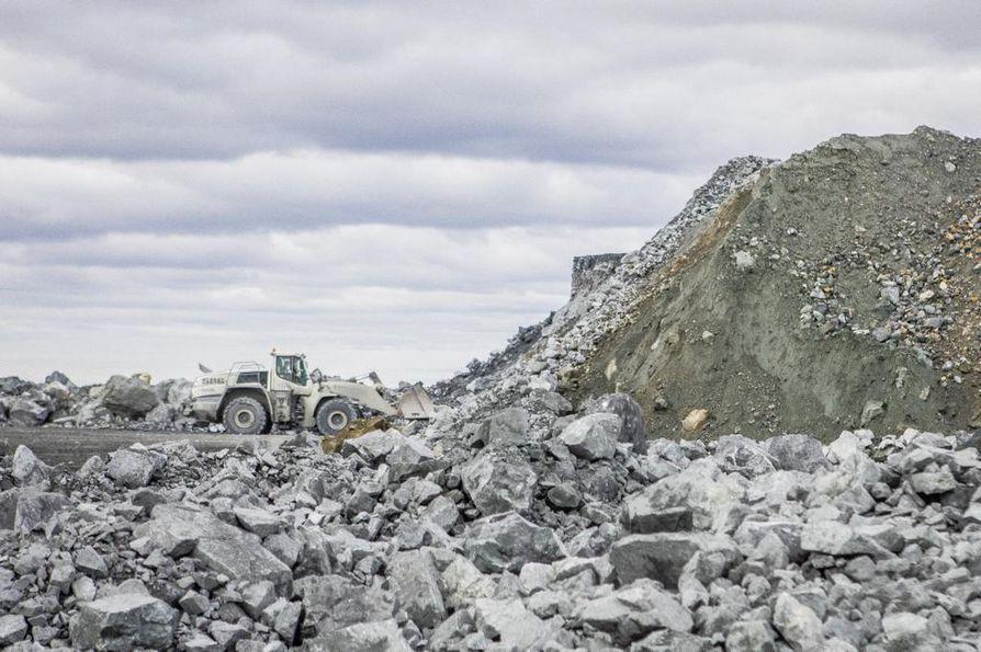 Kaivoslain uudistamistarpeet ovat puhuttaneet viime vuosina. Kansalaisaloite kaivoslaista on ylittänyt eduskuntakäsittelyyn vaadittavat 50 000 allekirjoitusta. Kansalaisaloite uudeksi kaivoslaiksi esittää tuntuvia muutoksia vuoden 2011 uudistettuun kaivoslakiin.
