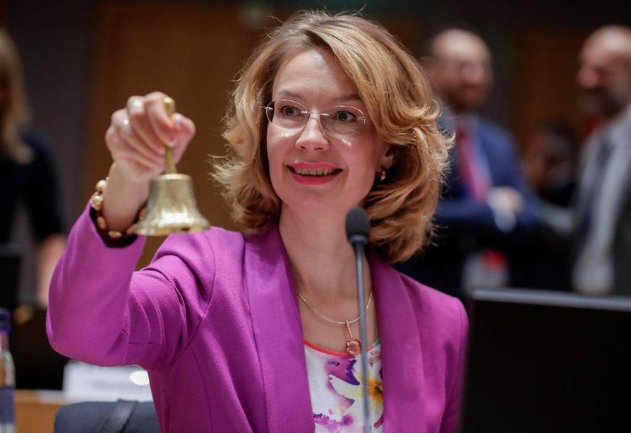 Eurooppaministeri Tytti Tuppurainen pitää todennäköisenä, että EU-rahoitus sidotaan oikeusvaltioperiaatteeseen.