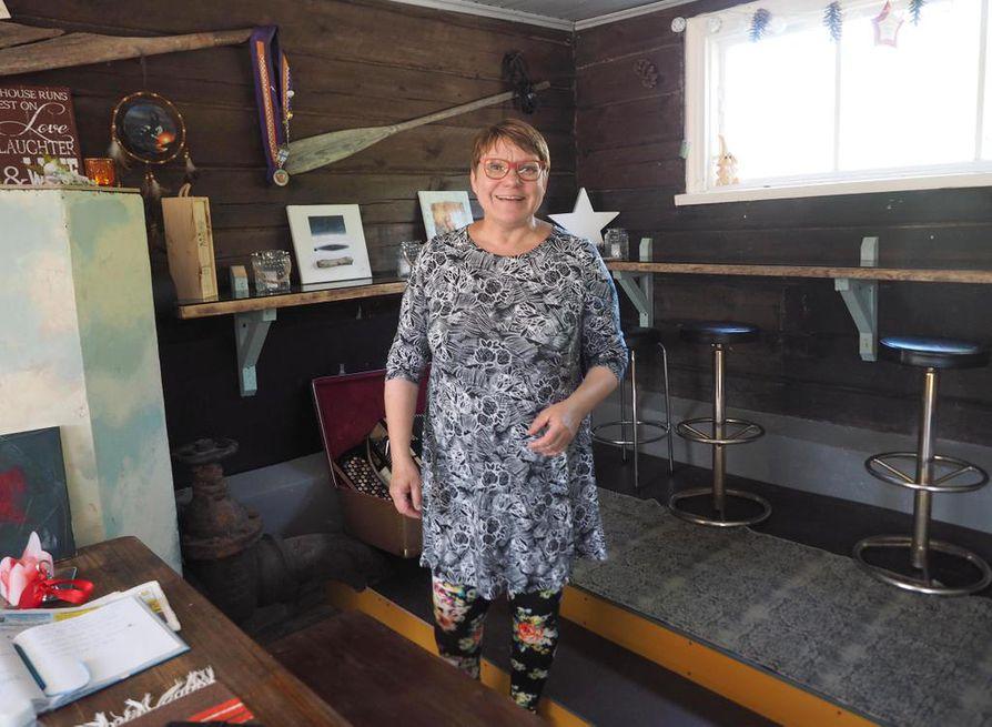 Käylässä sijaitsevan Koskituvan yrittäjä Leena Haataja ei halua kaivosta kotiseudulleen. Hän iloitsee kuitenkin siitä, että asiasta keskustellaan nyt avoimesti, usein tosin aiempaa jyrkemmin äänenpainoin.