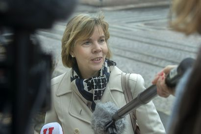 Oikeusministeri Henriksson: Lähestymiskiellon tehosteeksi harkitaan sähköistä valvontaa – Uhrien suojaamiseen ehkä myös turvalaitteita