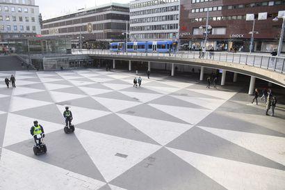 Rikolliset ovat hankkineet Ruotsissa koronakriisistä kärsineitä ravintoloita – harmaa talous voi lisääntyä poikkeusoloissa, sanoo asiantuntija