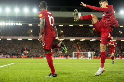 Liverpool pelannut Valioliigassa vuoden ilman tappioita