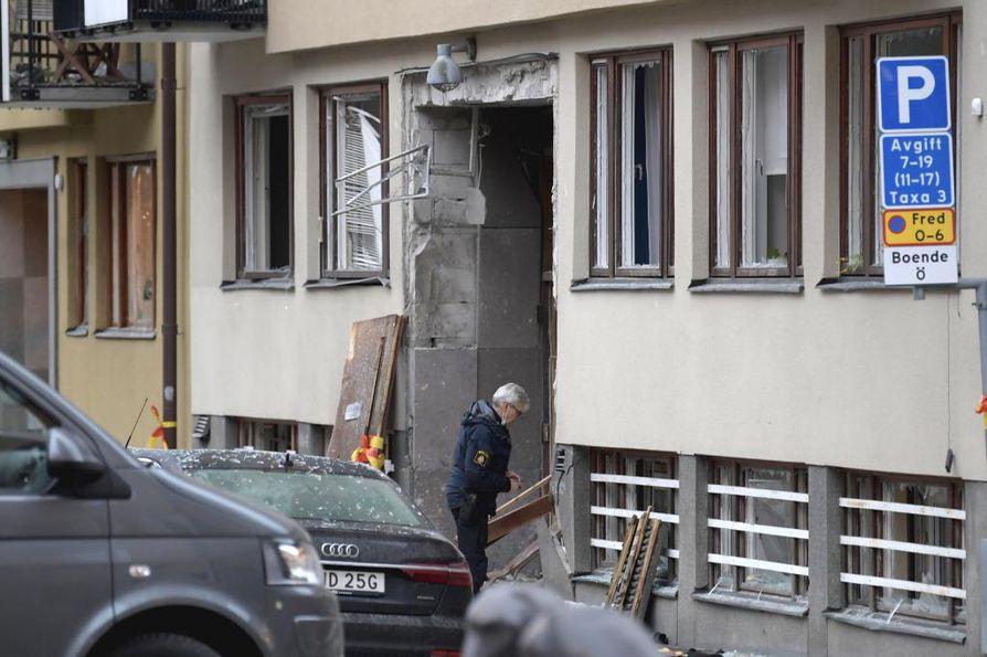 Poliisi tutki räjähdyksen tapahtumapaikkaa 20. tammikuuta.