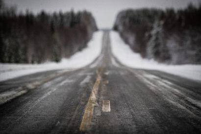 Ajokeli on huono Pohjois-Pohjanmaalla lumisateen vuoksi – lumisadetta luvassa koko jouluaaton ajan