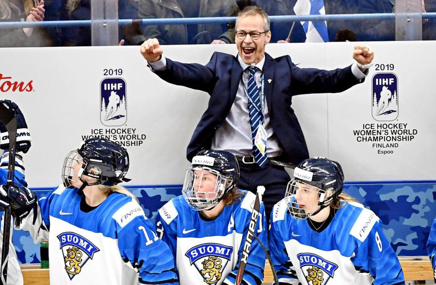 LKS 20190413 Head coach Pasi Mustonen of Team Finland reacts after winning Team Canada 2-4 during the IIHF Women's Ice Hockey World Championships semifinal match Canada vs Finland in Espoo, Finland on April 13, 2019. LEHTIKUVA / JUSSI NUKARI
