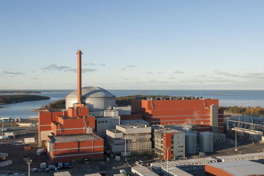 Tiedotteen mukaan laitosyksikkö tuottaa 1-3 terawattituntia sähköä vaihtelevin tehoin aikana, joka alkaa verkkoon liittämisestä ja päättyy säännöllisen sähköntuotannon aloittamiseen.
