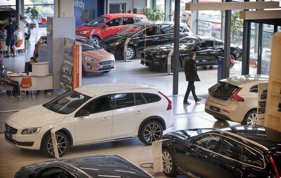 Autokaupan näkymiin kauppasota ei autoalan pomon mukaan vaikuttanut. Arkistokuva.