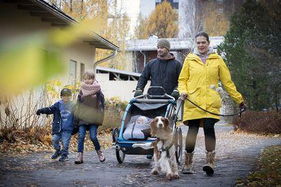 """""""Nyt tarvitaan muutos"""", oululainen viiden lapsen äiti Tanja Huttu ajatteli ollessaan vauvan kanssa kotona – uravalmennus auttoi löytämään uuden suunnan työelämässä"""