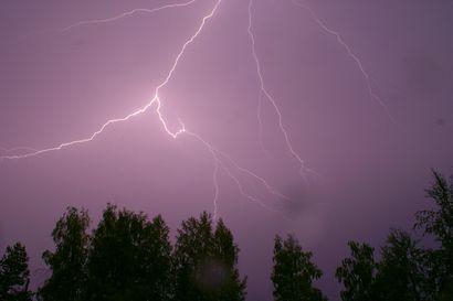 Sääennuste lupaa Lappiin ukkosta ja sateita – Sadekelit jatkuvat koko loppuviikon