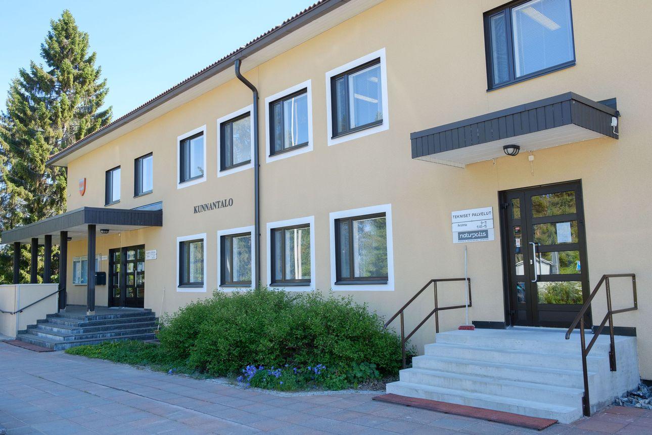 Taivalkosken vaaliseuranta: keskusta johtaa ennakkoäänten perusteella, SDP heti perässä – Heli Hietala ääniharava