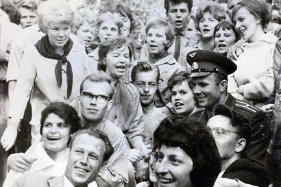 Valtakatu kokosi yhteen työväen, nuoret ja päättäjät – kosmonautti Juri Gagarinin vierailu oli tähtihetki vuonna 1961