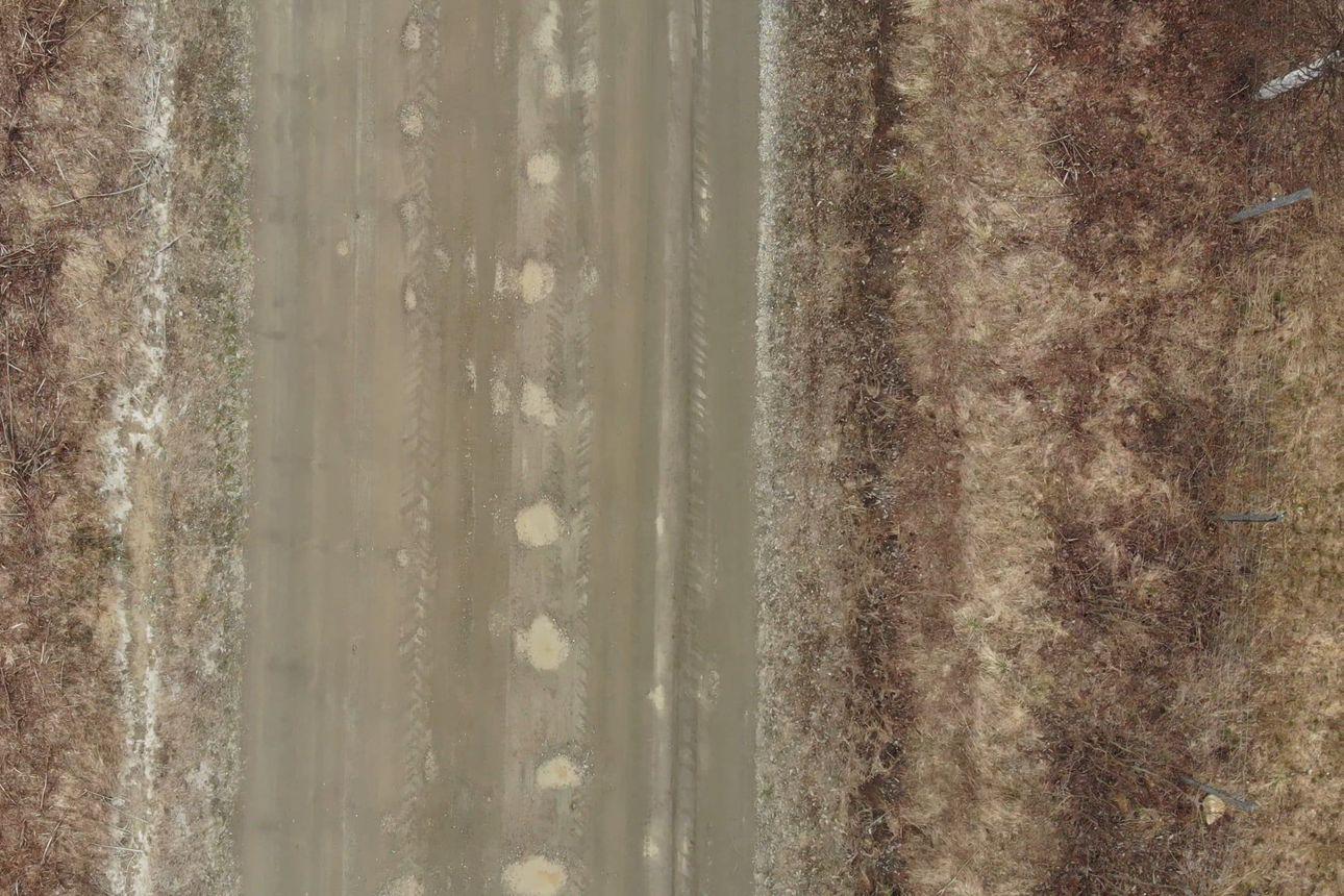 Kelirikon runtelema Varvikkotie Sallassa