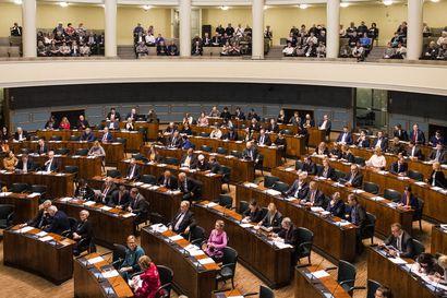 Hallituksen esitys sote-uudistuksesta ja sen lainsäädäntö hyväksyttiin eduskunnassa 105–77 – Tätä se tarkoittaa