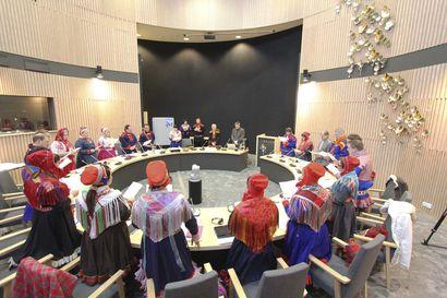 Näin uusi ehdotus saamelaiskäräjälaiksi eroaa edeltäjästään ja nykylaista: Kieli määräisi, kuka saa äänestää