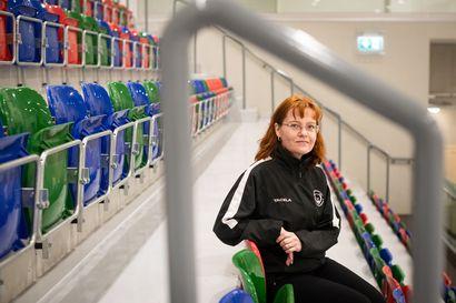 Kiekkokansan olohuone odottaa ihmisiä – Jääkiekkoseurassa tärkeitä ovat niin pienet kuin vähän isommatkin pelaajat