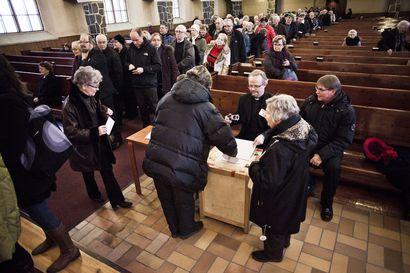 Rovaniemen kirkkoherranvaalin ennakkoäänestys aiempaa laajempi: äänestää voi myös kappeleissa