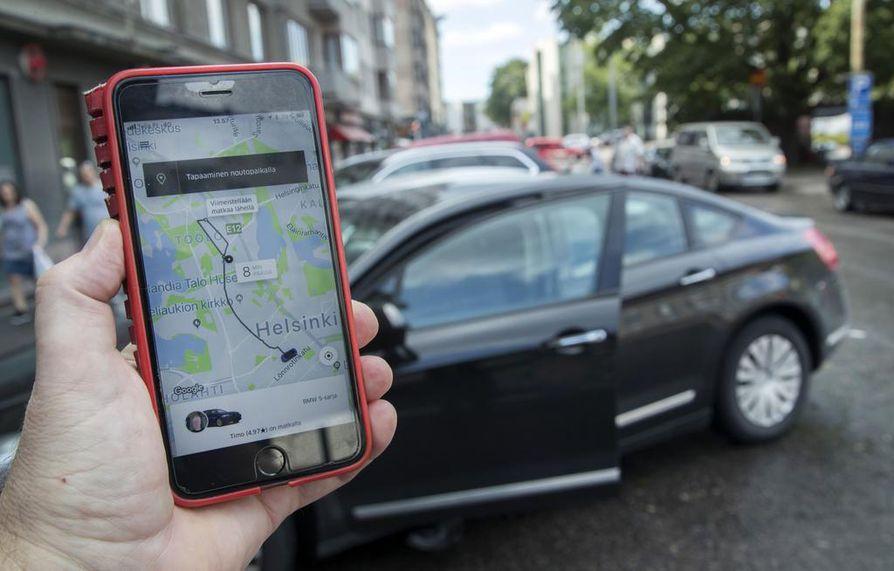 Uber-taksit aloittivat viime heinäkuussa liikennöinnin vuoden tauon jälkeen Suomessa. Tällä hetkellä toimintaa on vain pääkaupunkiseudulla.