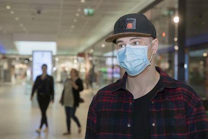 """Vain harva piti maskia Oulun keskustassa – """"En nähnyt syytä olla pitämättä sitä, ja päätin myös näyttää esimerkkiä"""""""