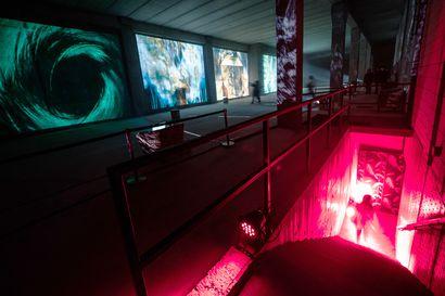 Valtava videoteos hylätyssä tilassa – Kauppakeskuksen suljettu kellaritila avautuu yleisölle monumentaalisena videoinstallaationa
