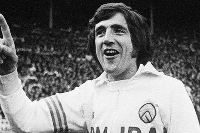 Leedsin pelaajalegenda Norman Hunter on kuollut koronavirukseen