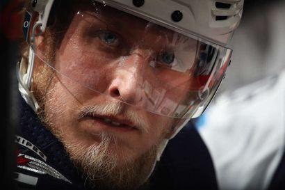 Patrik Laineen pelaaminen Calgaryä vastaan on yhä epävarmaa – loukkaantumisten koettelema Winnipeg vaikeuksissa NHL:n pudotuspelikarsinnoissa