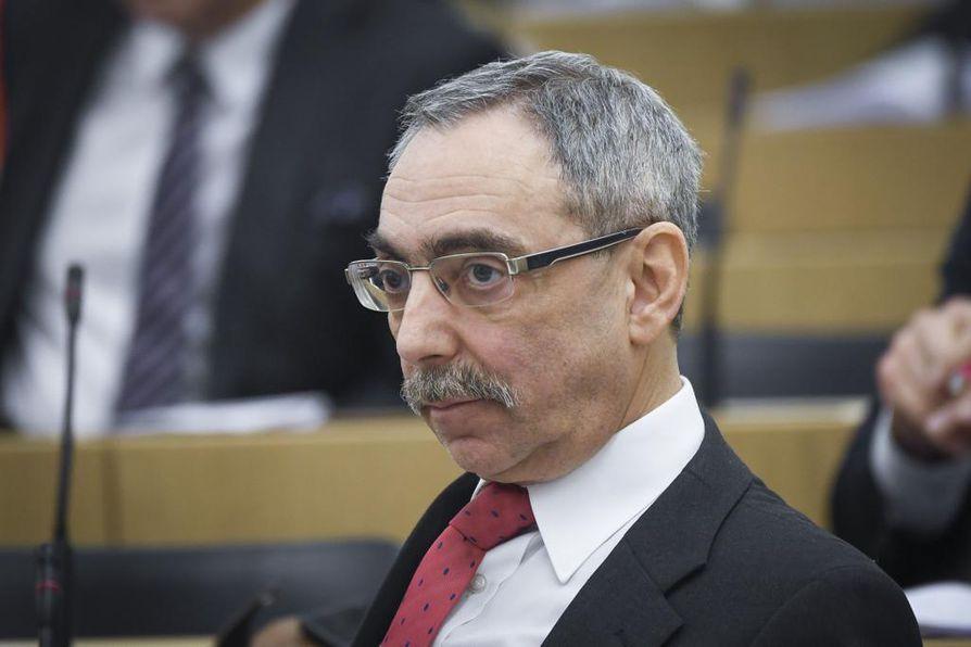Kansanedustaja Ben Zyskowiczin (kok.) mukaan kokoomus ei vastusta aktiivimallin purkamista.
