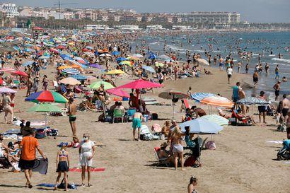 Aurinkomatkat perui elokuun matkoja viime hetkellä – koronatartuntojen määrä kasvaa Espanjassa