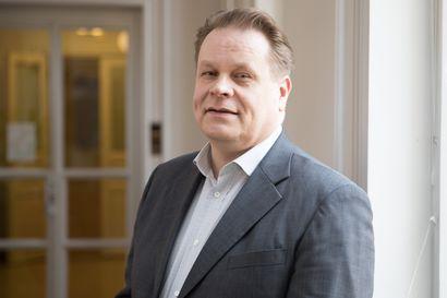 Katri Kulmunin ex-erityisavustaja Kari Jääskeläinen syytteeseen petoksesta ja virkavelvollisuuden rikkomisesta viestintäkoulutusjupakassa