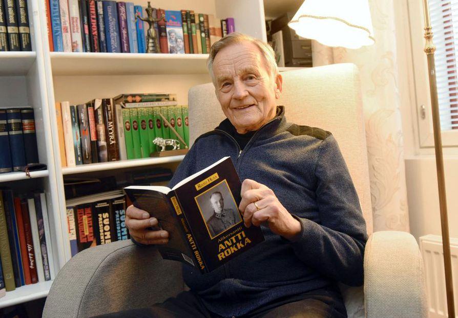 Risto Husa on tutkinut  Antti Rokan elämää neljän vuosikymmenen ajan ja kirjoittanut  hänestä kolme kirjaa.