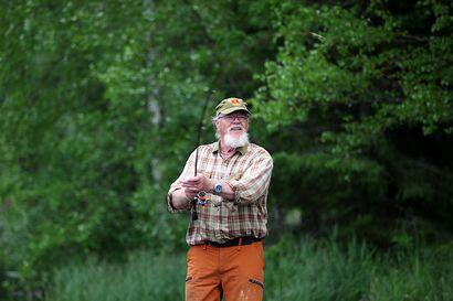 Jukka Hietala innostui jigikalastuksesta kymmenen vuotta sitten, kalaa tulee enemmän kuin omiin tarpeisiin, silti hienoin saalis on ihan jotain muuta – näin pääset jigaamisessa alkuun