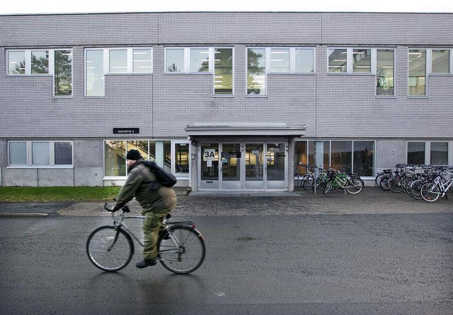 Vuonna 1978 rakennettu hammaslääketieteen laitoksen rakennus Oulun Aapistiellä alkaa olla käyttöikänsä päässä.