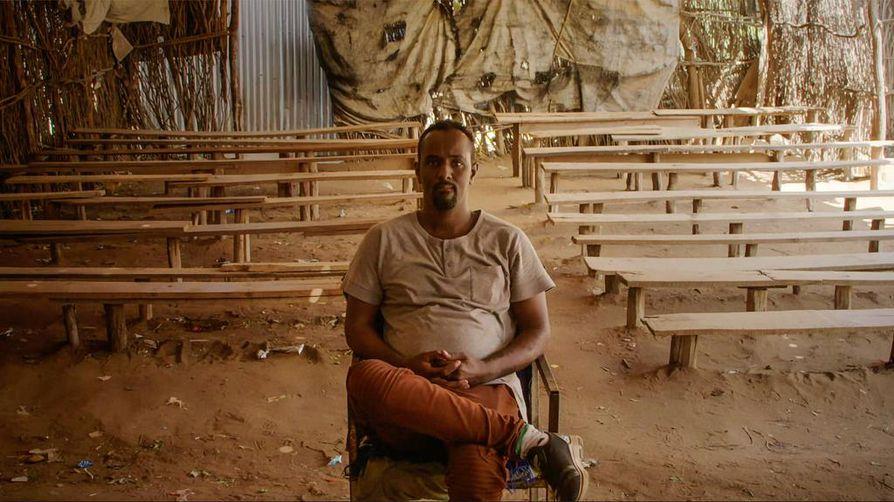 Abdikafi Mohamed on ollut pakolaisleirissä viisivuotiaasta asti. Hän pyörittää siellä elokuvateatteria.