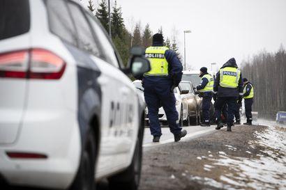 Perusteettomia sakkoja Uudenmaan rajalla arviolta 10–20, poliisi on yhteydessä sakotettuihin – epäselvyyksiä myös sisärajojen valvonnassa