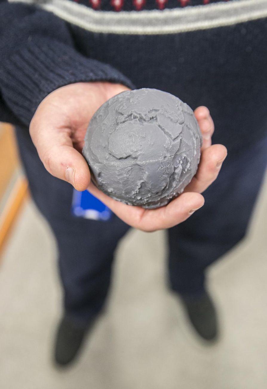 3D-tulostetussa maapallossa ovat topografiset mittasuhteet kohdallaan.